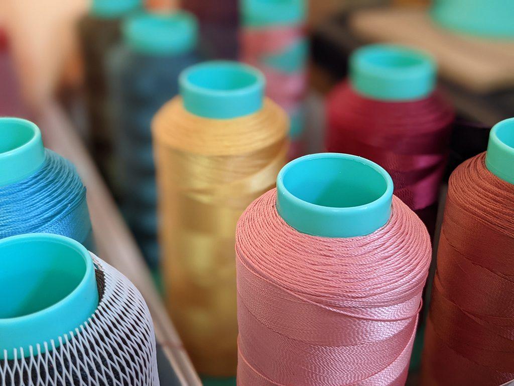 レザーの糸